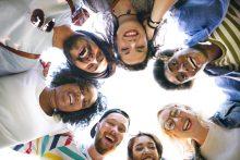 Como manter uma amizade entre grupos de amigos?